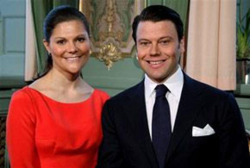 La pareja se casará el 19 de junio de 2010 en la Catedral de San Nicolás de Estocolmo, la elección de ese día obedece a una larga tradición dentro de la dinastía Bernadotte.