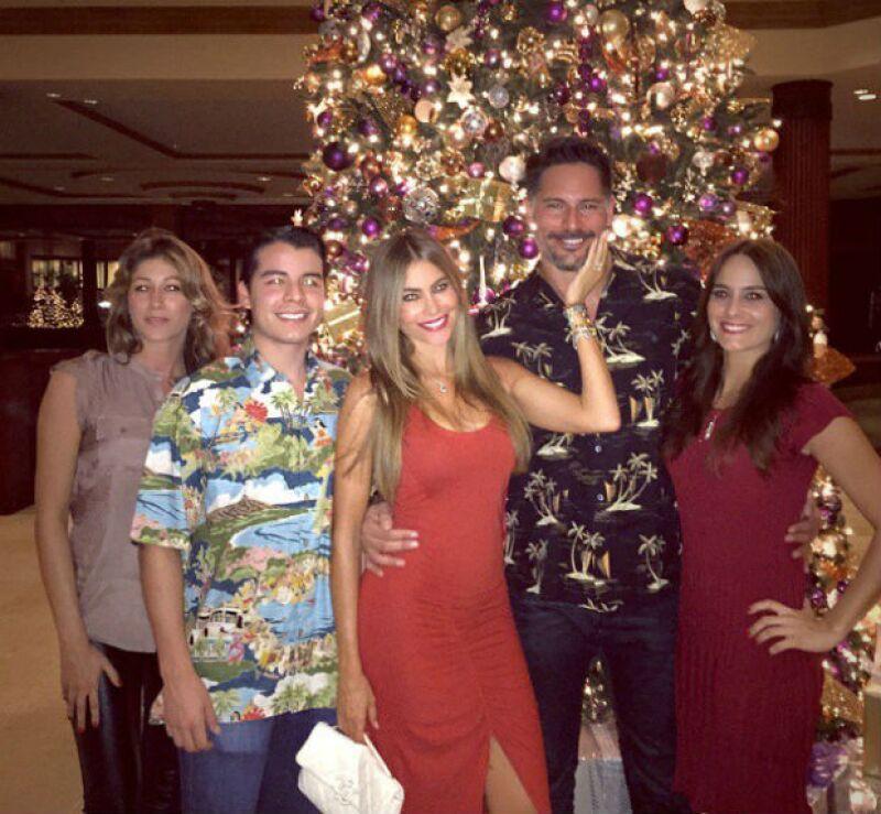 La actriz pasó la Navidad en Hawai al lado de su prometido y familia.