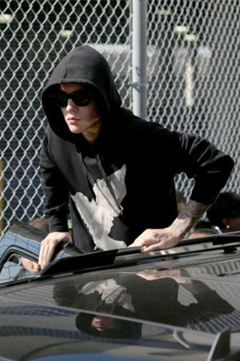 """El cantante estuvo en Nueva York el sábado pasado buscando una piscina privada para realizar un """"ritual de limpieza""""."""