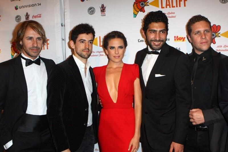 Carlos Gascón, Luis Gerardo Méndez, Karla Souza, Ianis Guerrero y el director, Gary Alazraki.