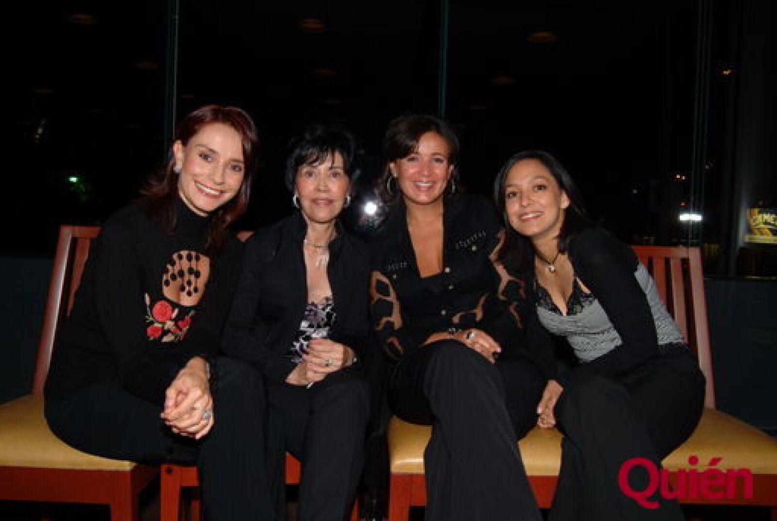 Claudia Peñalosa, Cristina Ramírez, Liliana de Ramírez, Dolores de Ramírez