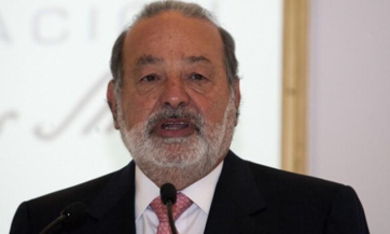 Carlos Slim tiene el 80% de la telefonía fija a través de su firma América Móvil.  (Foto: Archivo)