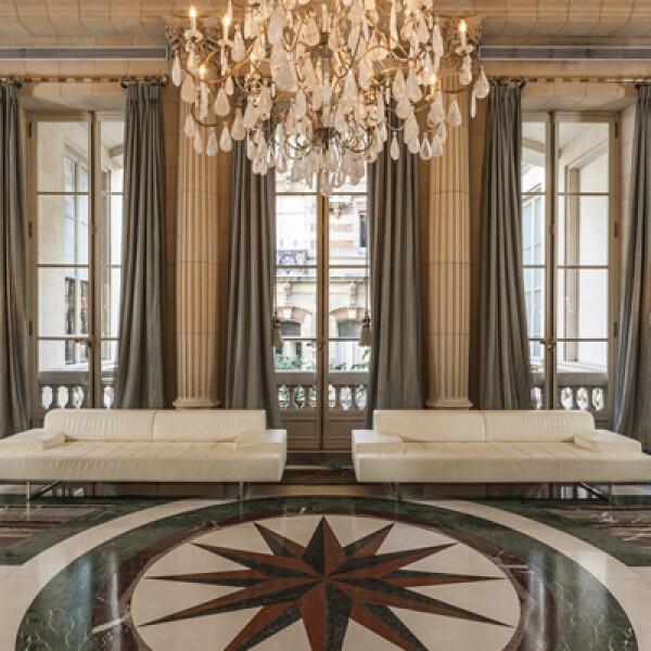 Este hotel boutique de 165 habitaciones y suites goza de una ubicación ideal al encontrarse rodeado de los atractivos turísticos más representativos de Argentina.