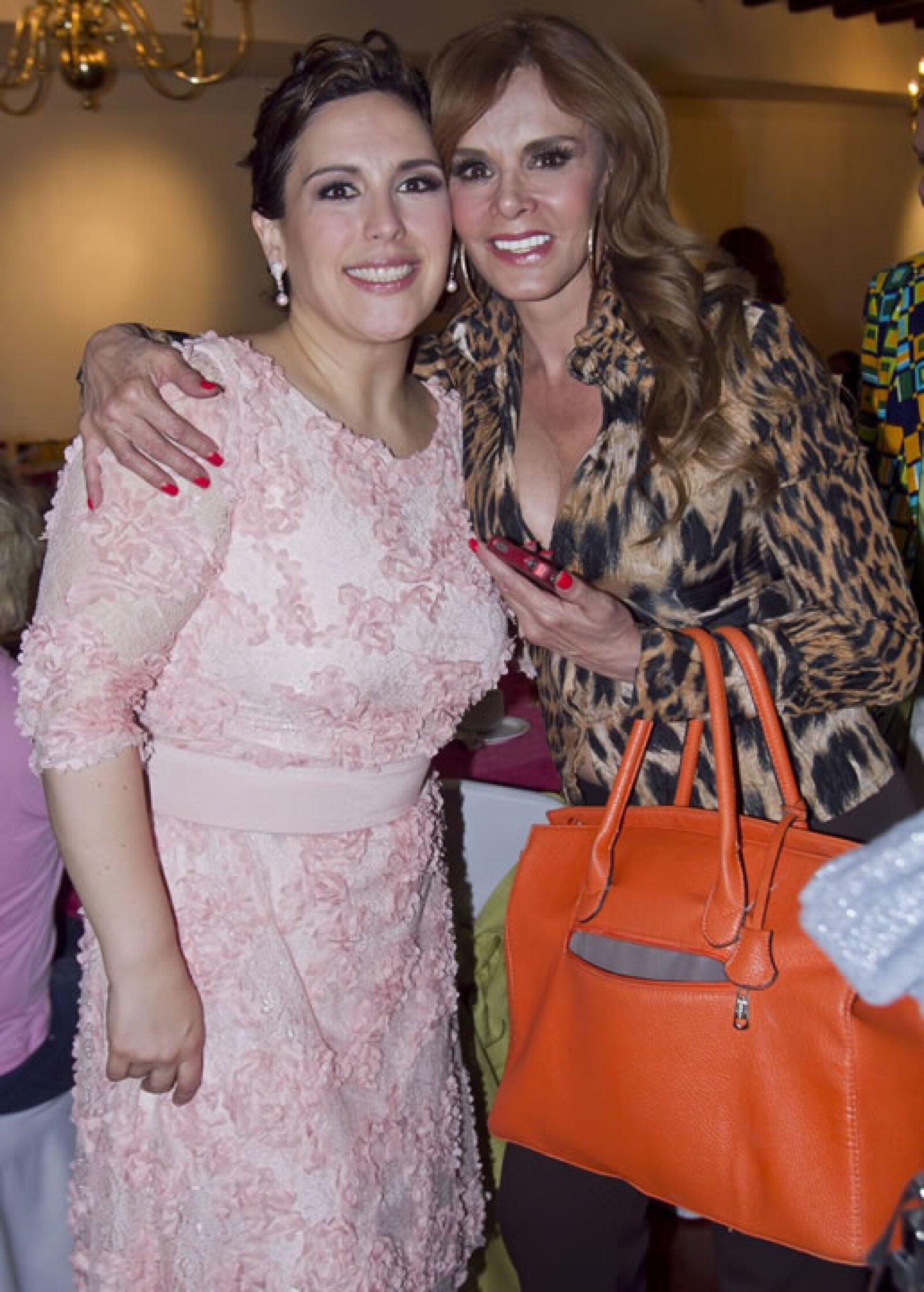 Angélica y Lucía Méndez.