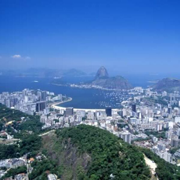 A pesar de mantener a Brasilia como su capital, la ciudad de Río de Janeiro es considerada como una de los destinos más visitados por turistas alrededor del mundo.