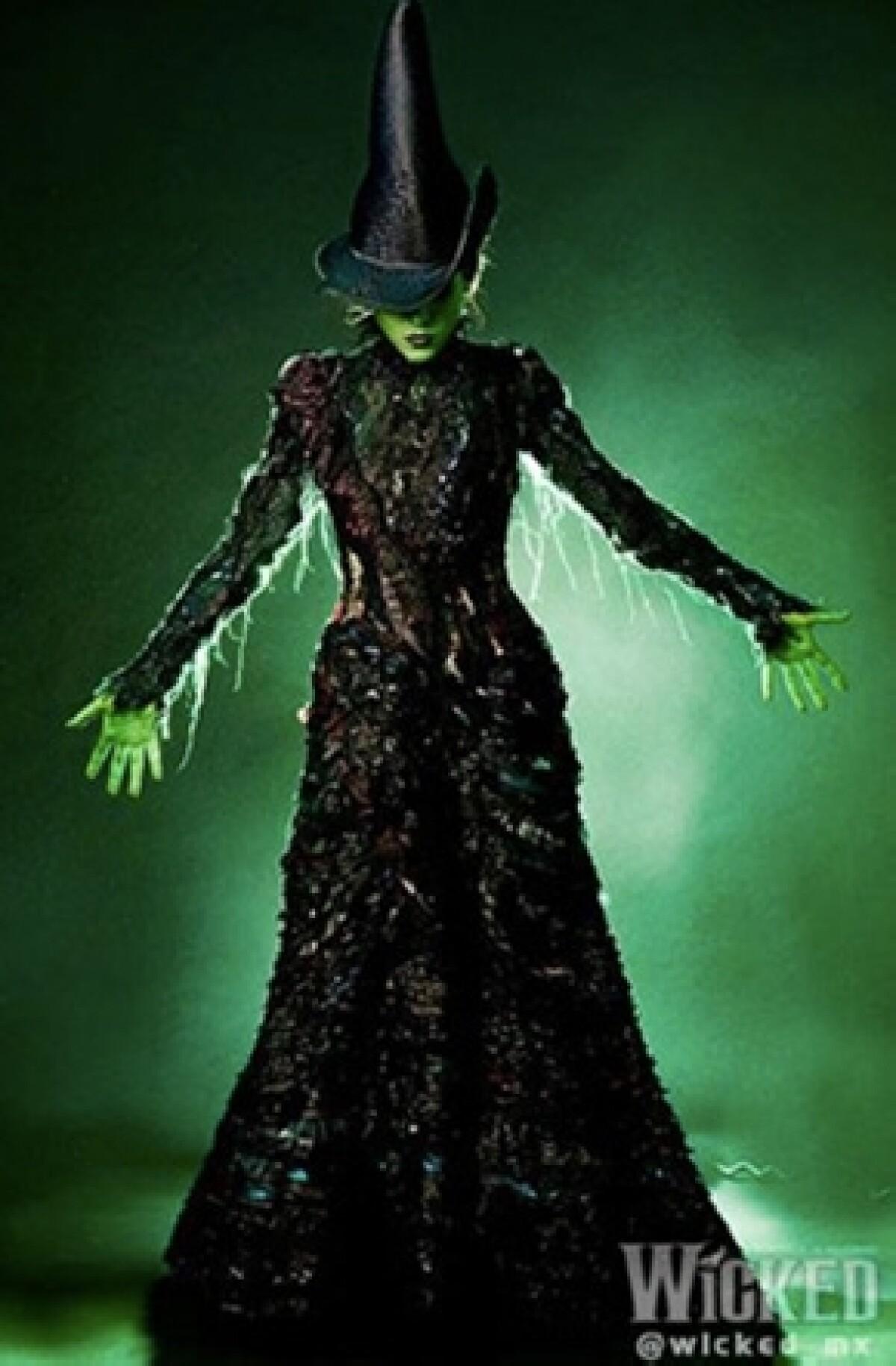 """""""Danna Paola impresionará en Wicked"""": Compositor de Broadway"""