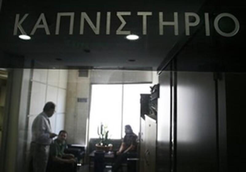 El FMI y la UE comprometieron 110,00 mde para rescatar a Grecia. (Foto: AP)