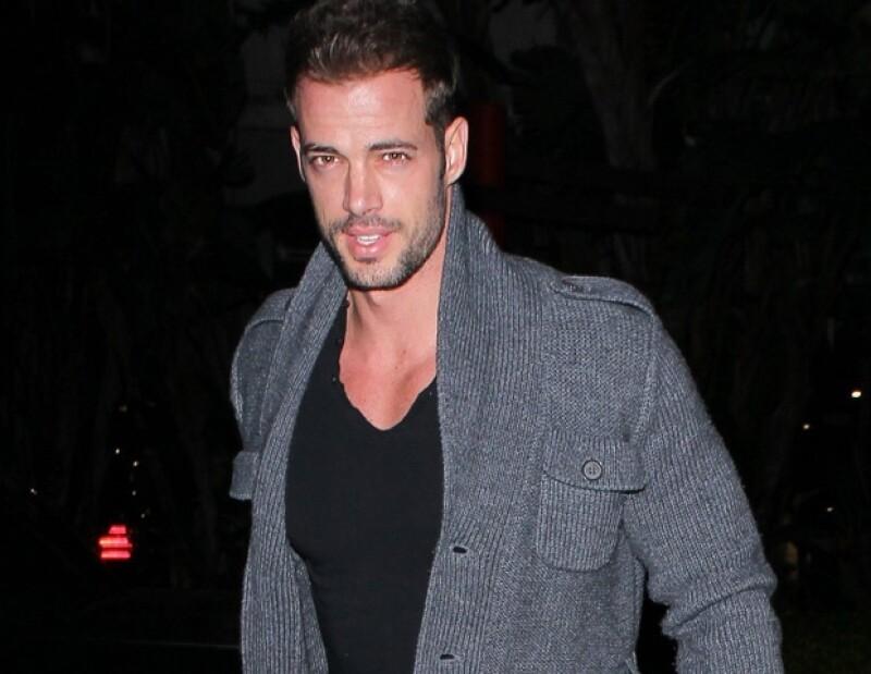 El actor explicó a través de Twitter que no corre peligro luego de la lesión que sufrió durante los ensayos de la serie Bailando con las Estrellas.