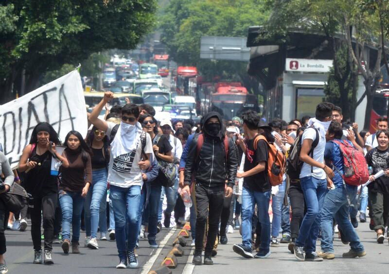 UNAM marcha agresiones expulsados