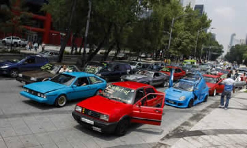 El nuevo programa Hoy No Circula busca proteger a la población de los contaminantes que generan los autos. (Foto: Cuartoscuro)