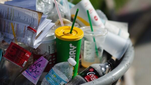 CMR plástico popotes bolsas vasos