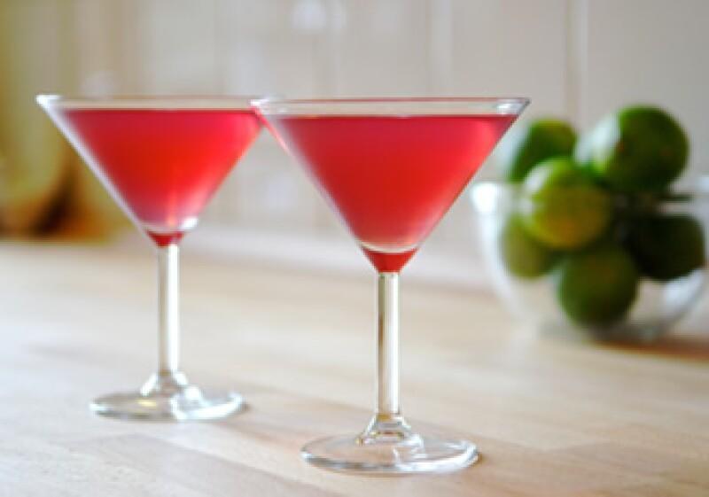 Las personas beben por decisión propia especialmente cuando sienten