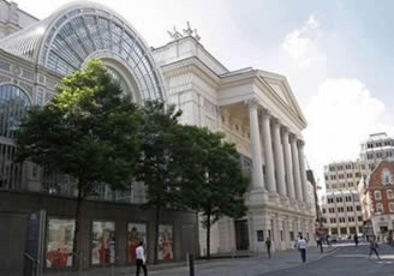 Dos cantantes interpretarán la ópera de Twitter en el recinto inglés. (Foto: AP)