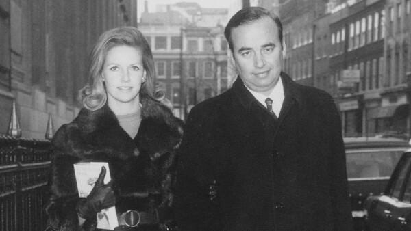 Anna Torv y Rupert Murdoch