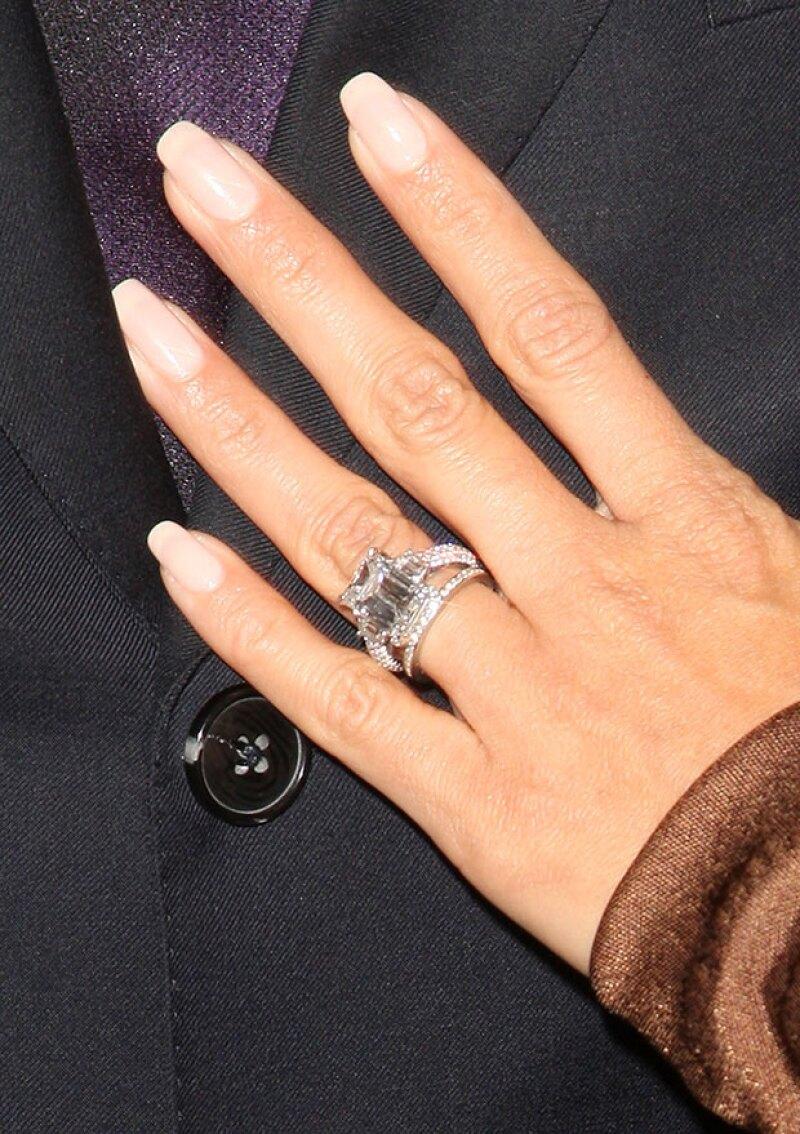 El valor estimado del anillo que Tony le dio a Eva es de 150 mil dólares.