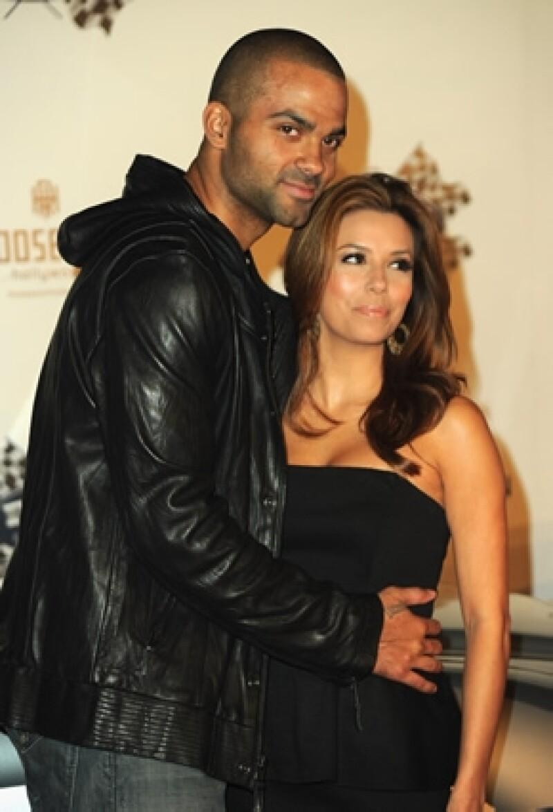 Hace cuatro años fue su divorcio y ahora el basquetbolista ha iniciado una nueva etapa al lado de la periodista Axelle Francine.