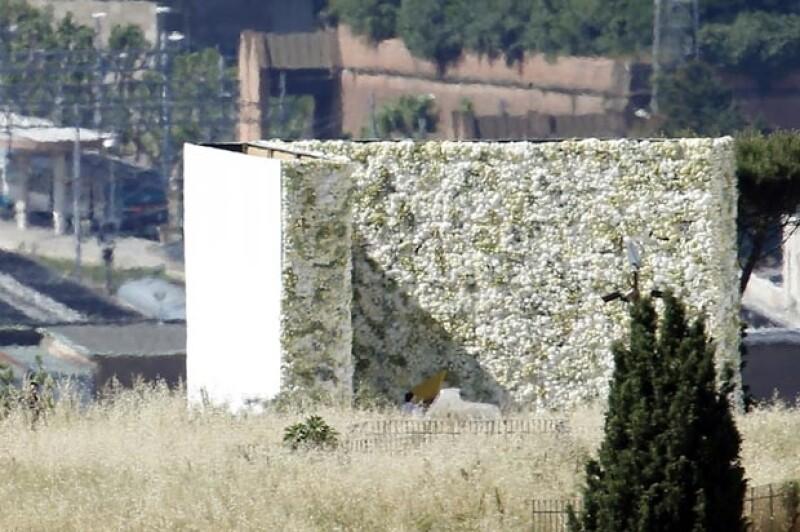Esta es la pared de flores frente a la que Kim y Kanye se dieron el sí.