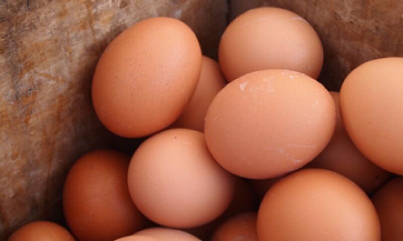 Profeco dijo que se sancionará a quienes aumenten de forma injustificad el precio del huevo y del pollo. (Foto: Getty Images)