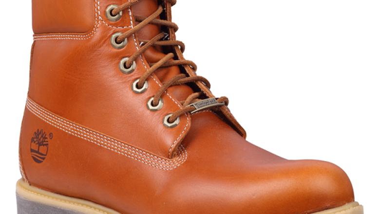 Además, también puedes encontrar botas de piel con diseños ideales para un look casual.