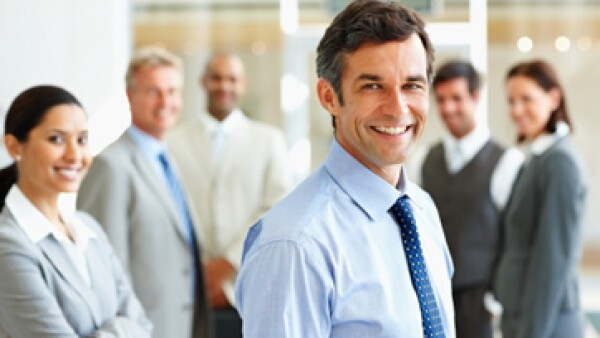 Los profesionistas exitosos saben expresar sus ideas, venderlas e inspirar a los demás. (Foto: Getty Images)