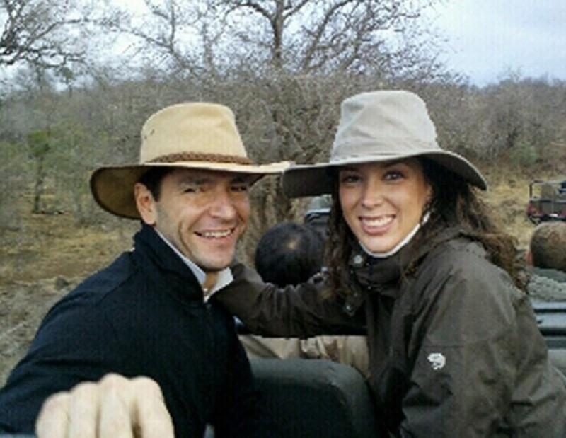La luna de miel fue en un safari. Ella compartió esta foto en Twitter con todos sus seguidores.