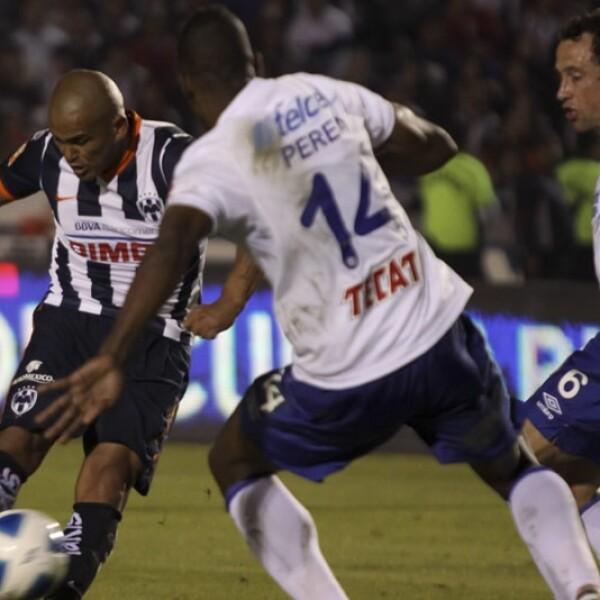 Humberto 'Chupete Suazo' Amaranto Perea defensa cruz azul