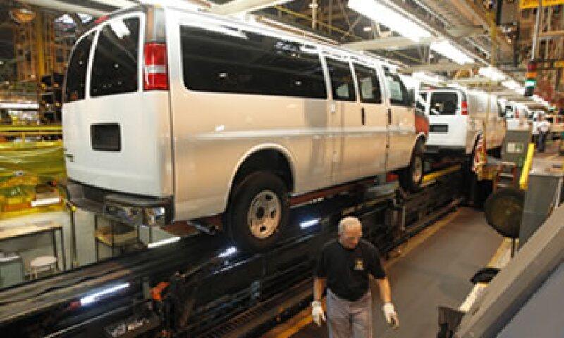 Los distribuidores de GM inspeccionarán las palancas de velocidades y las reemplazarán en caso necesario. (Foto: AP)