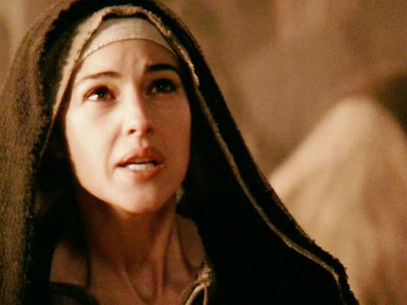 La actriz como María Magdalena en La Pasión de Cristo, de 2004.