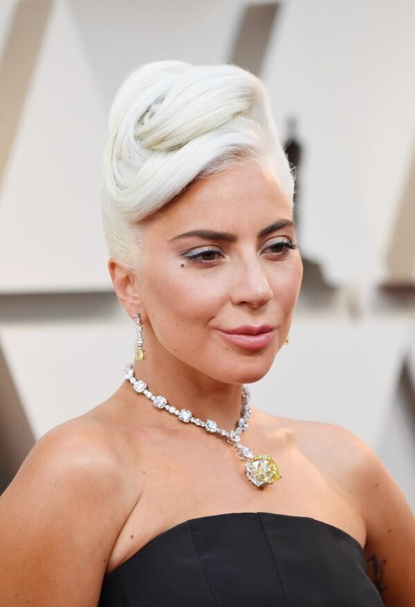 Lady Gaga con collar de Tiffany & Co.