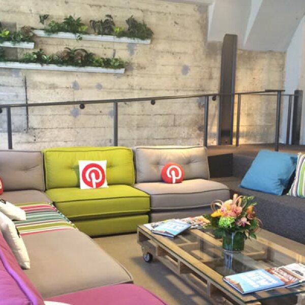 La decoración de la empresa recuerda a sus pines sobre decoración, una de las categorías más buscadas por los usuarios.