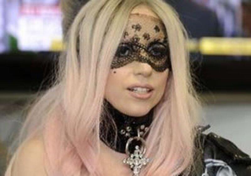 Lady Gaga ha sabido aprovechar su marca en la música, los conciertos, el merchadising, arte, moda, medios y vida diaria.  (Foto: Reuters)