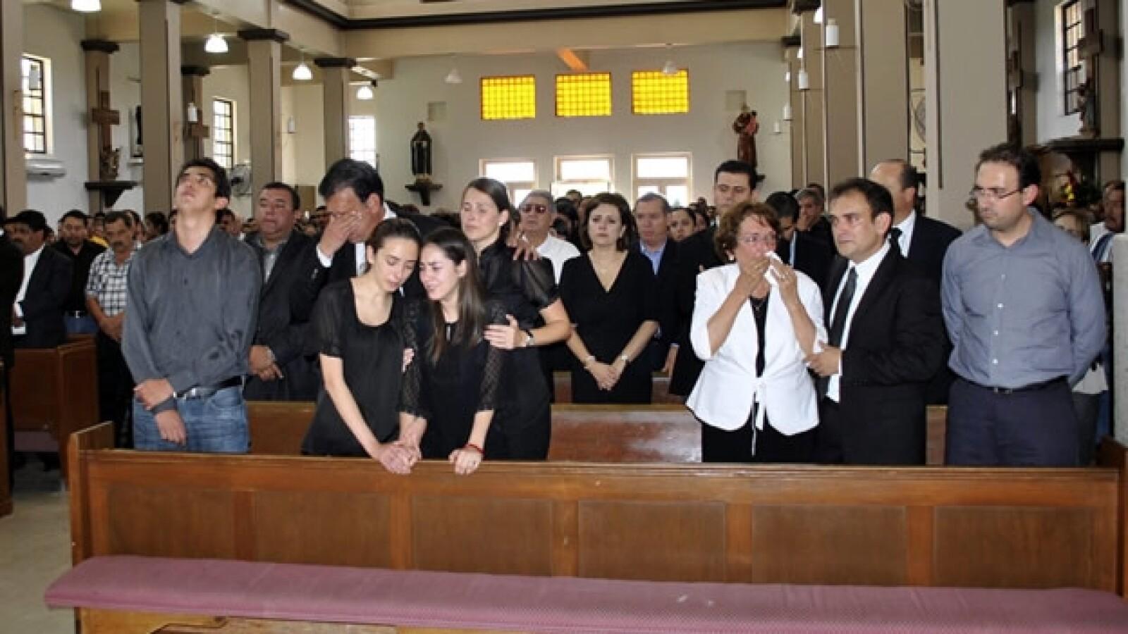 Misa funeral Jose Eduardo Moreira familia