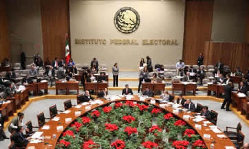 En el caso de los precandidatos a diputados federales, se podrá erogar un máximo de 179,033.54  pesos. (Foto: Notimex)