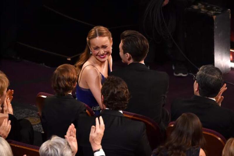 Uno de los momentos de Brie y Jacob antes de recibir el Oscar.