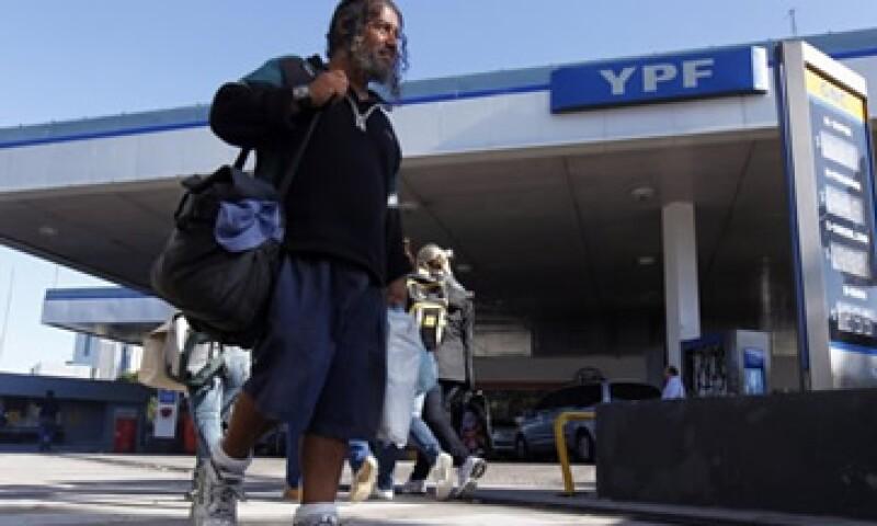 La violación de seguridad de Repsol en Argentina, será considerada por España como una agresión. (Foto: Reuters)