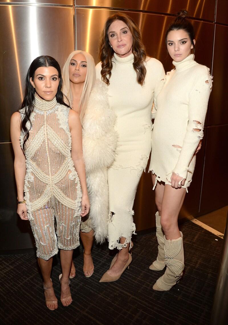 Todos los miembros del famoso clan lucieron diseños especiales en la presentación de la colección de Kanye.