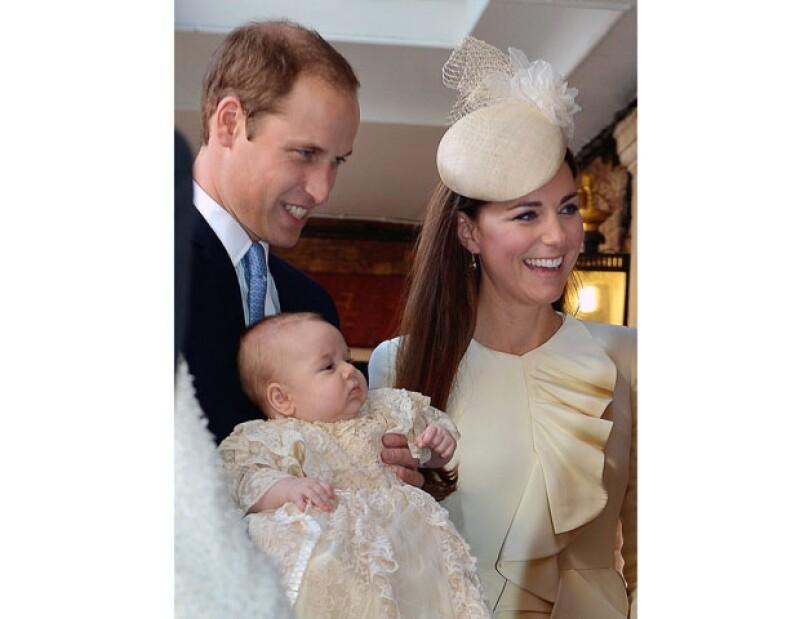 Kate y William están considerando en llevar al Príncipe a su próximo viaje oficial.