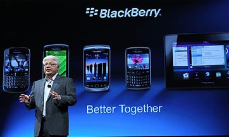 BlackBerry, coliderada por Mike Lazaridis, ha tenido un año lleno de obstáculos y errores costosos. (Foto: Cortesía CNNMoney)