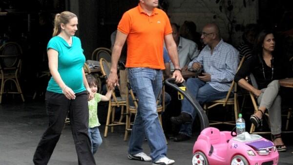 Este fin de semana nos encontramos a la conductora de `Uno Noticias´ en Polanco, acompañada de su esposo y su pequeña hija de 2 años.