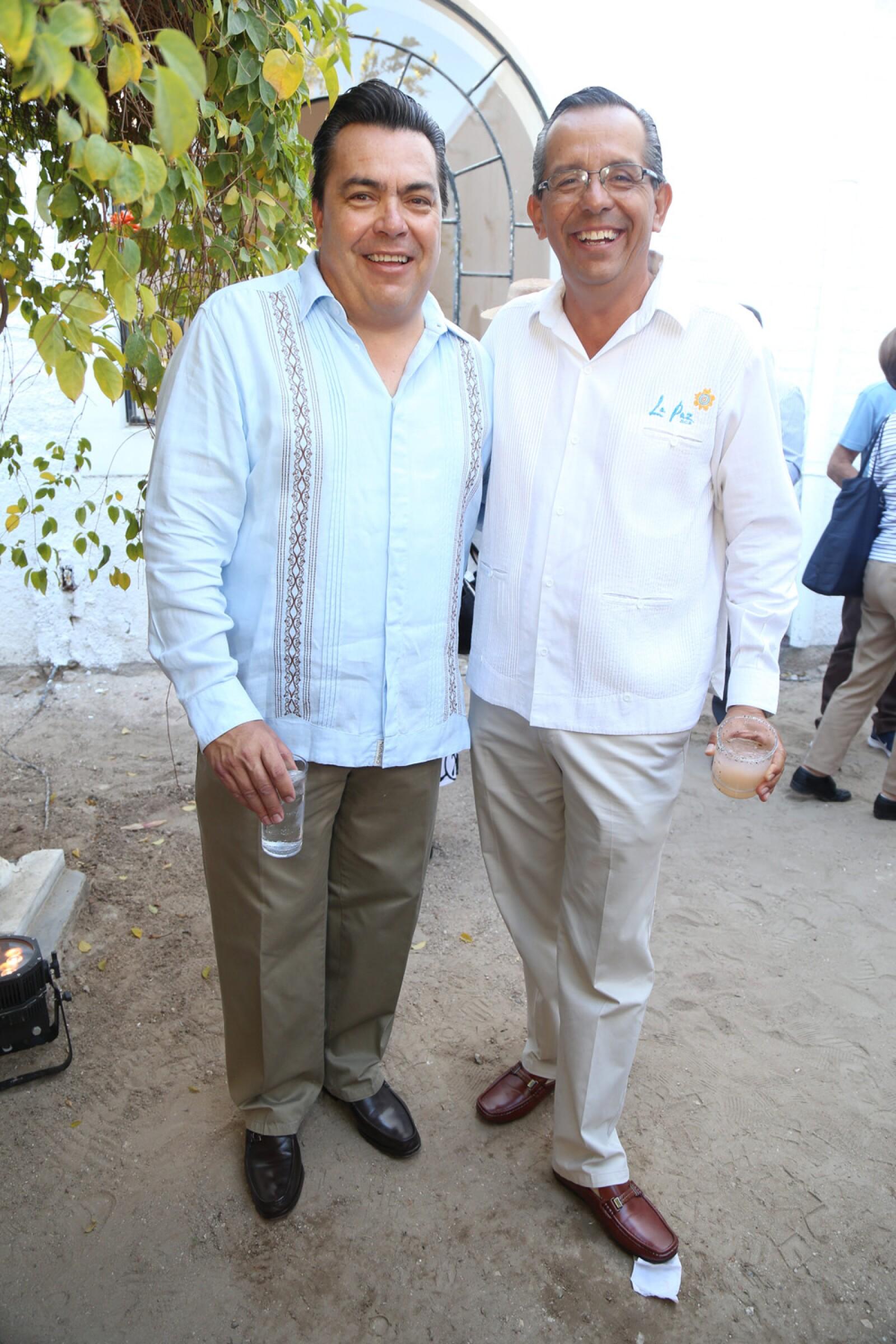 Carlos Estrada, Agustin Olachea.jpg