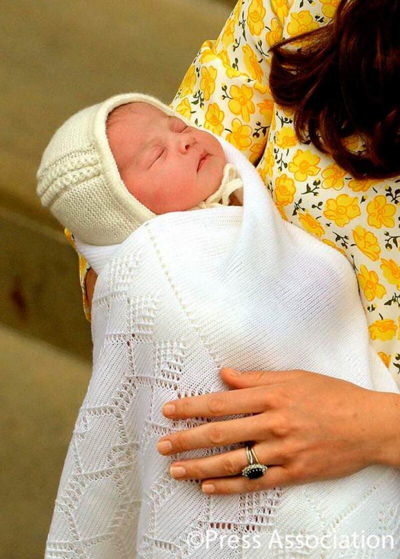 Las primeras imágenes de la royal baby, de quien esperan llamen Diana, en honor a LadyDi.