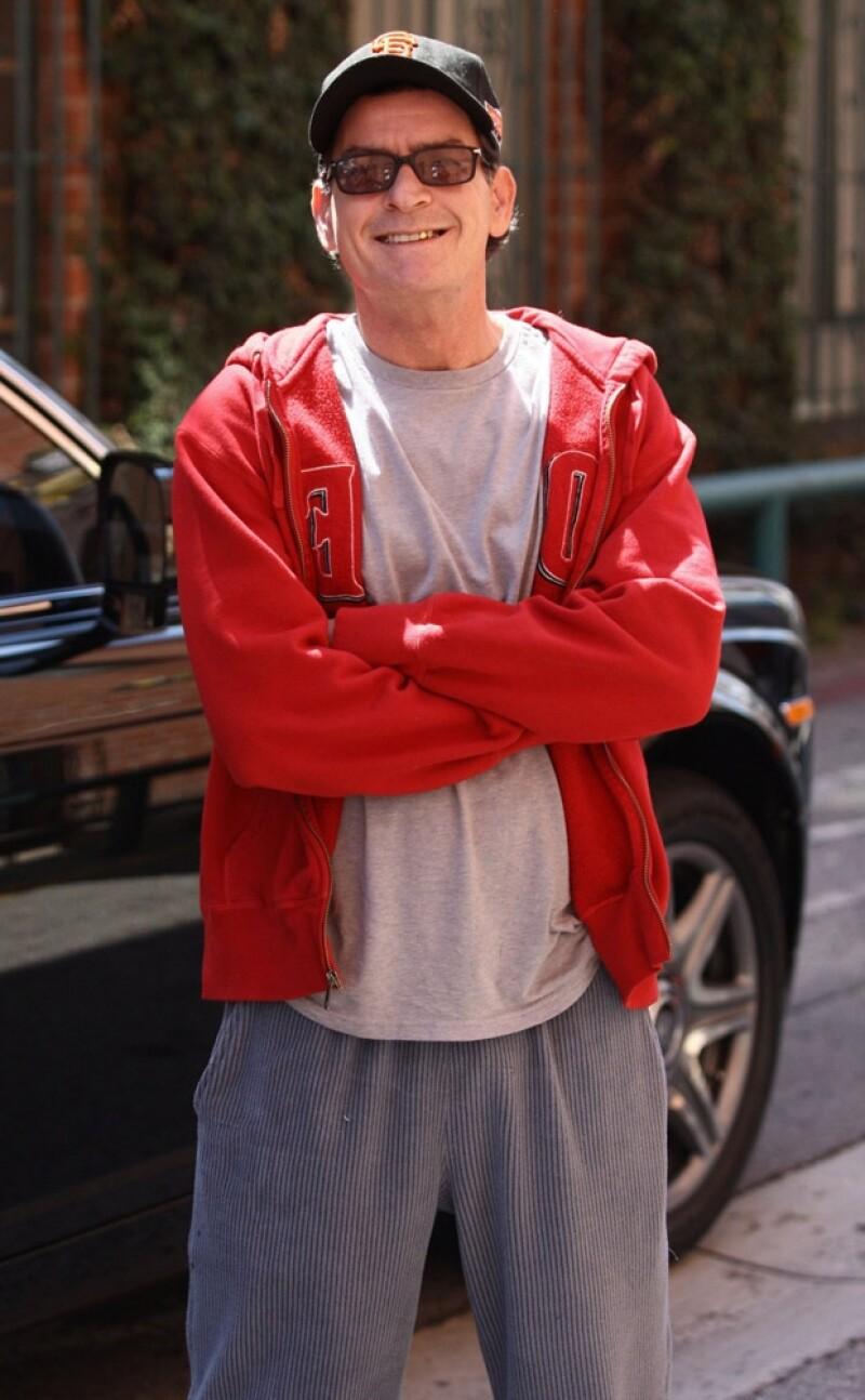 El ahora ex protagonista de la serie Two and a Half Man, cumple años hoy. En unas semanas, Ashton Kutcher debutará en la serie que terminó por encumbrar a Sheen.