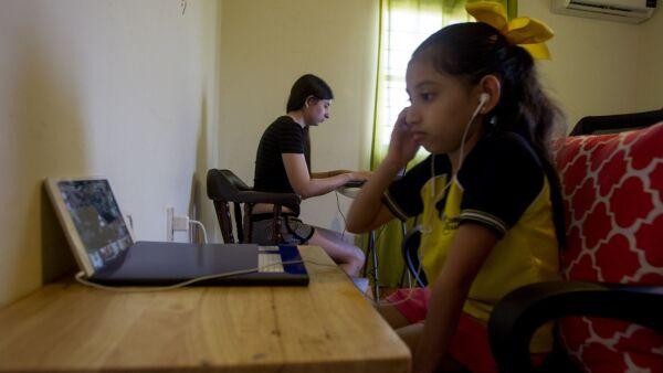 MONTERREY, NUEVO LEÓN, 24AGOSTO2020.- Más de un millón de alumnos de todos los niveles de educación en Nuevo León, regresaron a clases virtuales desde sus casas debido a la contingencia por el Covid-19. FOTO: GABRIELA PÉREZ MONTIEL / CUARTOSCURO.COM