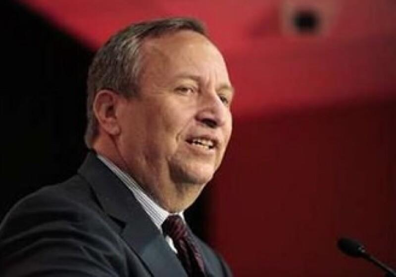 Lawrence Summers deja su cargo justo cuando el Gobierno de EU batalla para reactivar a la economía. (Foto: Reuters)