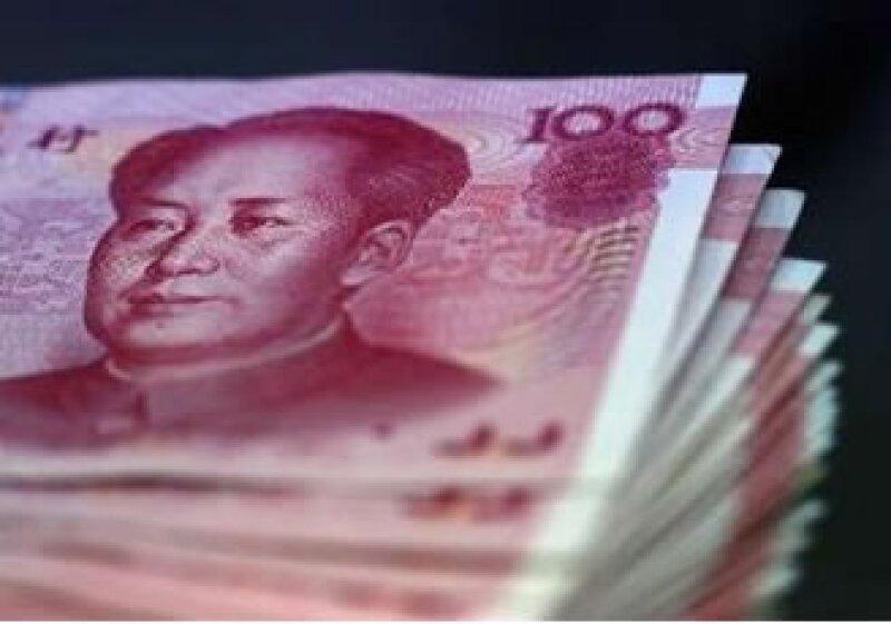El Banco Popular de China finalizó una política que mantenía fijo el tipo de cambio de su moneda respecto al dólar. (Foto: Reuters)