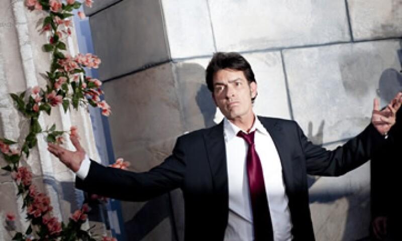 Aún con la salida de Sheen, la serie Two and A Half Man está lejos de morir, según expertos. (Foto: AP)