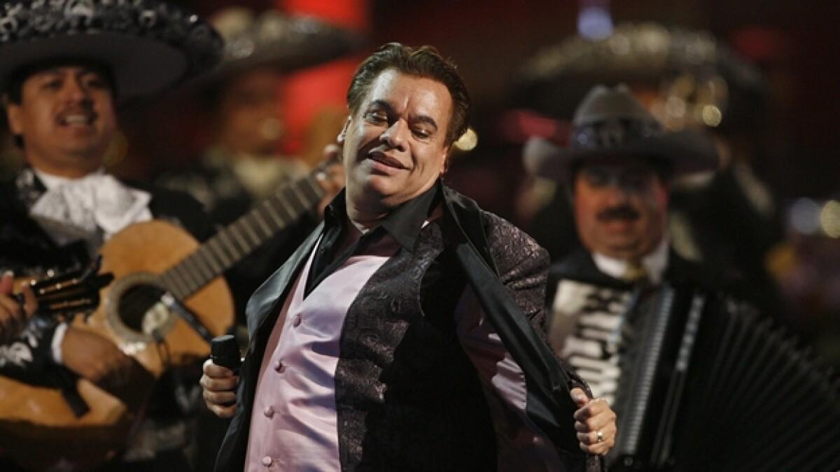 Juan Gabriel regresa al número 1 latino luego de 18 años de no lograrlo
