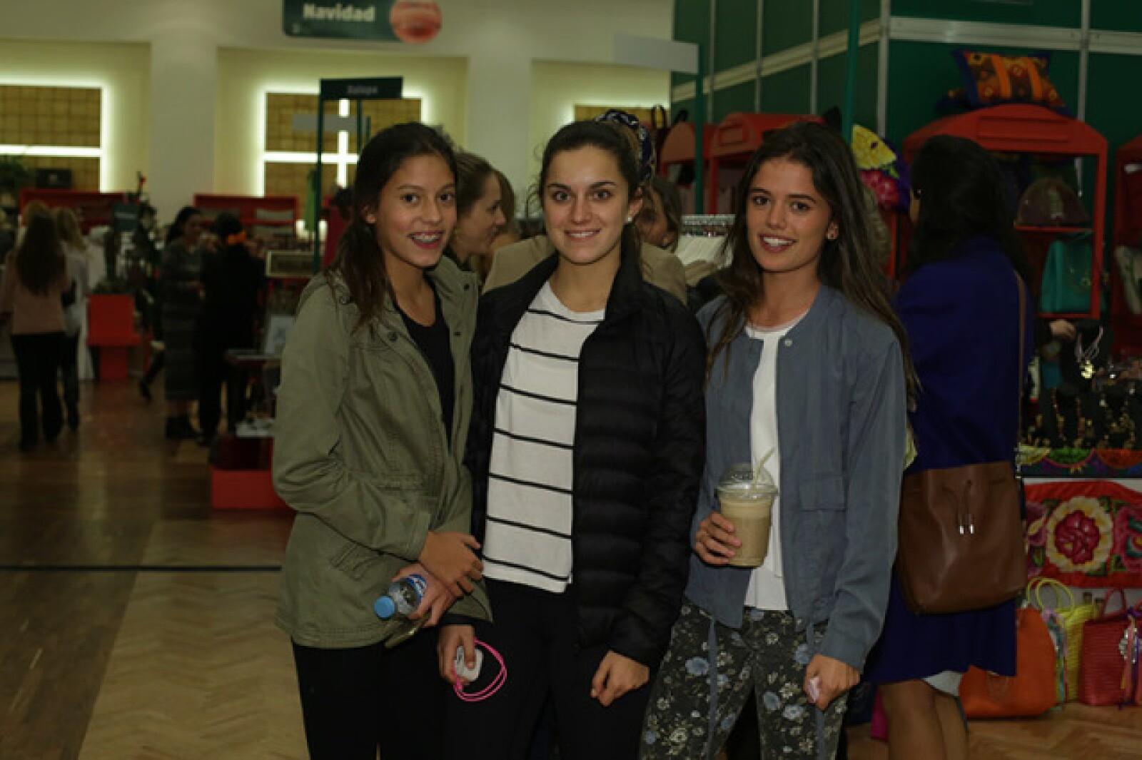 Lucia, Pola y Fernanda Romano