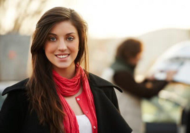La sonrisa es uno de los gestos que comunican más claramente el estado de ánimo de una persona. (Foto: Jupiter Images)
