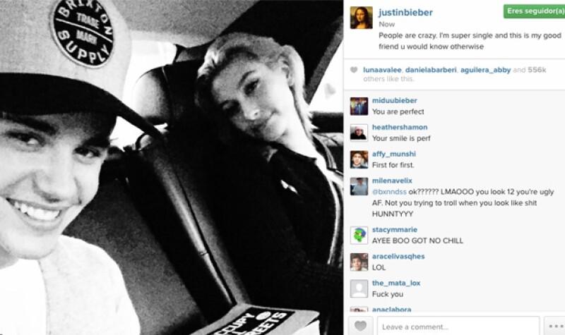 A pesar de que se les había visto juntos en varias ocasiones recientemente, el cantante negó la relación hoy en sus redes sociales.